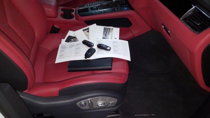Porsche Macan S lleno